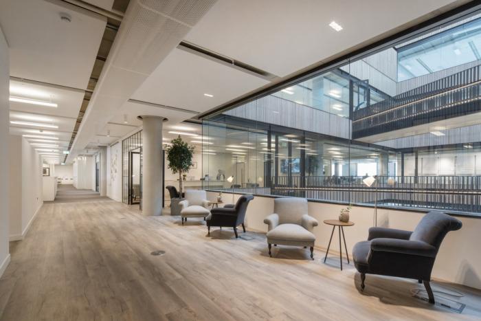 办公空间,办公室设计,白空间办公室设计,现代风格办公室设计,国外办公室设计